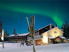 Bij aankomst wordt u opgehaald en met een transfer naar het gezellige skidorpje van Levi gebracht