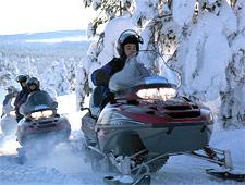Vertrek op een onvergetelijke en wondermooie sneeuwscootersafari
