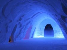 Het Snow Village is één van de mooiste sneeuw- en ijshotels van Lapland