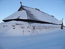 Het Lofotr Viking Museum is ondergebracht in een indrukwekkendelonghouse van 83m lang