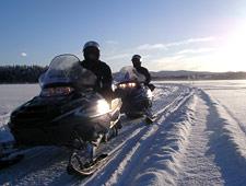 Vandaag vertrekt u opnieuw op sneeuwscootersafari