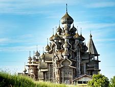 De merkwaardige houten architecteur van Kizhi