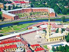Het Vassilievski-eiland met centraal de Kathedraal van Sint-Petrus en Paulus